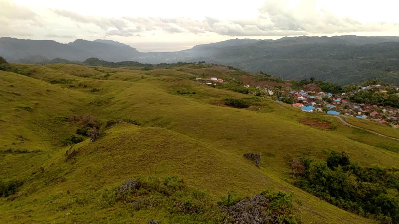 Bukit Lamando Desa Rongi, Kecamatan Sampolawa, Buton/Sumber Foto : Youtube Erwin Erwing.