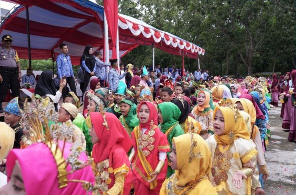 Pawai Anak memperingati Hari Pendidikan Nasional