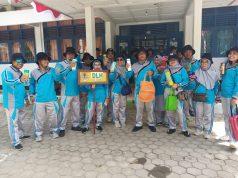 Dinas Lingkungan Hidup (DLH) kabupaten Konawe saat kampanyekan gerakan 'Ramah Sampah' untuk mengurangi dan menekan jumlah sampah plastik di acara HUT ke-74 Republik Indonesia.