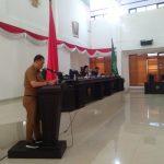 DR. Ferdinan, SP.,MH saat menyampaikan Pidato Bupati Konawe saat Rapat Paripurna Penyerahan Rancangan Peraturan Daerah (Raperda)