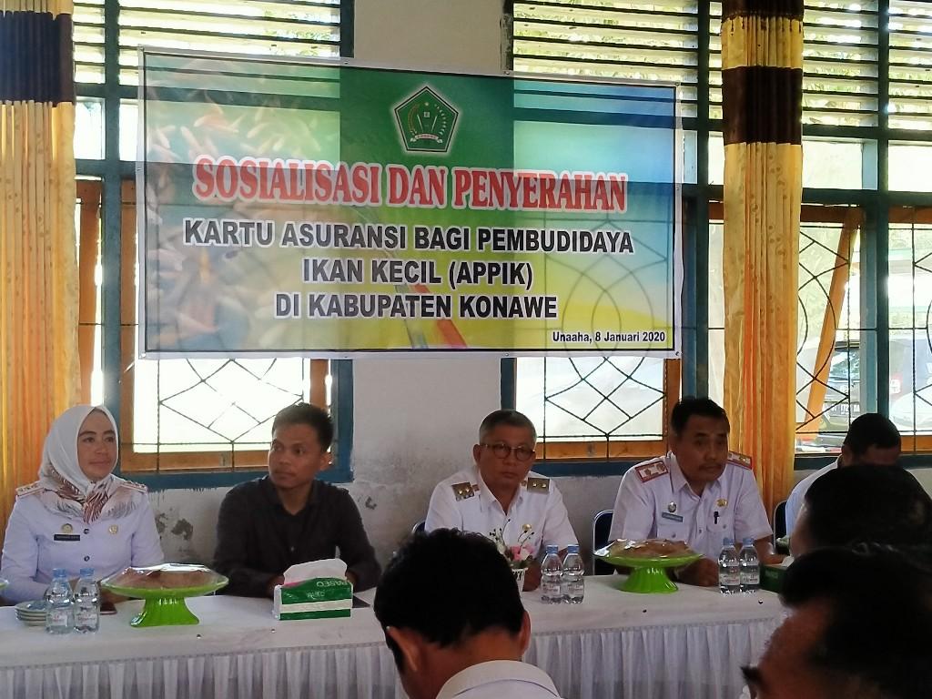 Sosialisasi dan penyerahan kartu Asuransi bagi Pembudidaya Ikan Kecik (APPIK) di Kabupaten Konawe