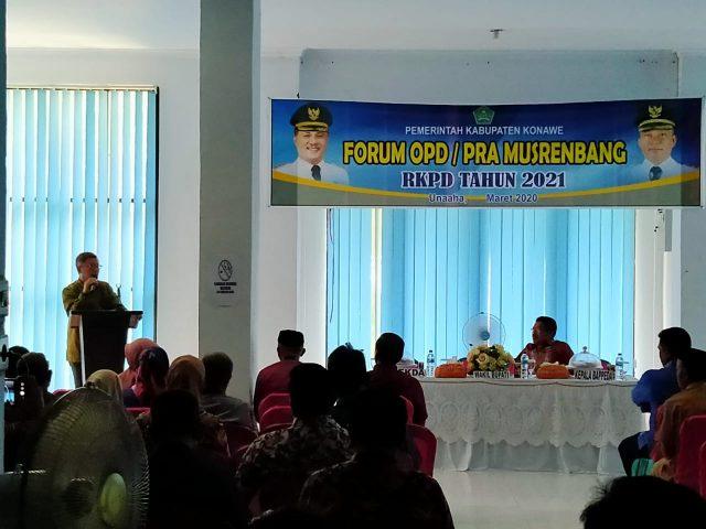 Wakil Bupati Konawe, Gusli Topan Sabara di acara Pra Musrenbang dalam rangka penyusunan Rencana Kerja Pemerintah Daerah (RKPD) Konawe tahun 2021, dan membuka acara secara resmi
