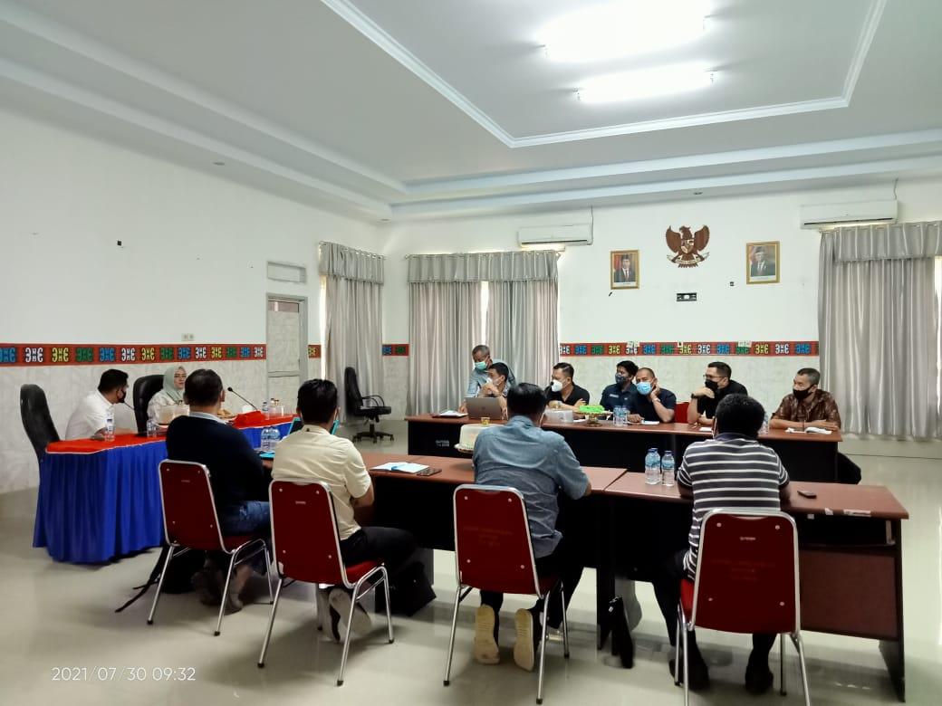 Foto: Iwal/Kabaranoa.id Ketgam. Bupati Koltim, Andi Merya Nur saat memimpin Rakor pembangunan RSUD Koltim.