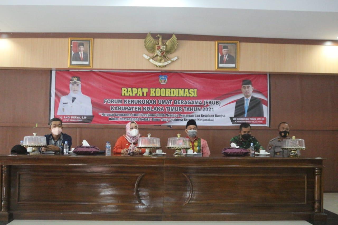 Ketgam: Bupati Koltim, Andi Merya Nur saat memimpin Rakor FKUB Koltim. (Foto: Iwal/Kabaranoa.id)