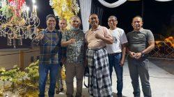 KSK diapit Umar Samiun dan Bupati Buton La Bakry.